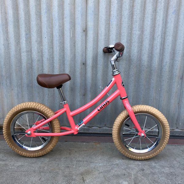 "Kid's Linus Stepthrough - Lil Dutchi Coral 12"" Balance Bike - Studio Rental"