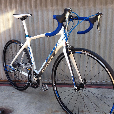 Giant Defy 4 Advanced Road Bike