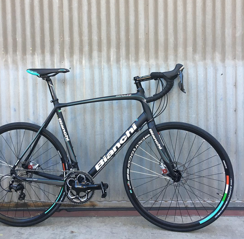 Bianchi Impulso 105 11-Speed Close-Out Disc Road Bike