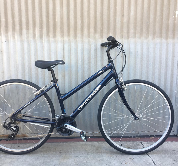 Cannondale Made in USA Aluminum Lightweight City Bike