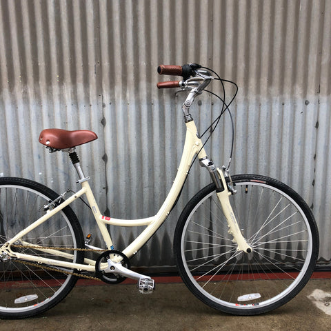 Globe (by Specialized) Extreme Comfort Upright City Bike