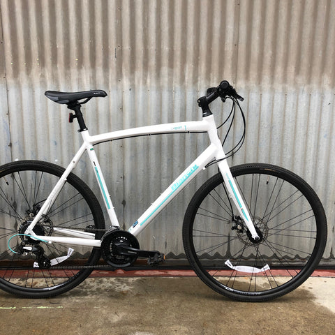 Bianchi C-Sport Flat Bar Fitness Hybrid Road Bike - Brand New!