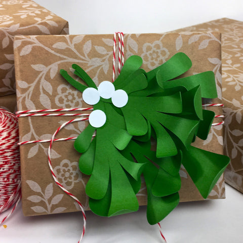 Mistletoe Gift Topper DIY Templates for Silhouette or Cricut Explore