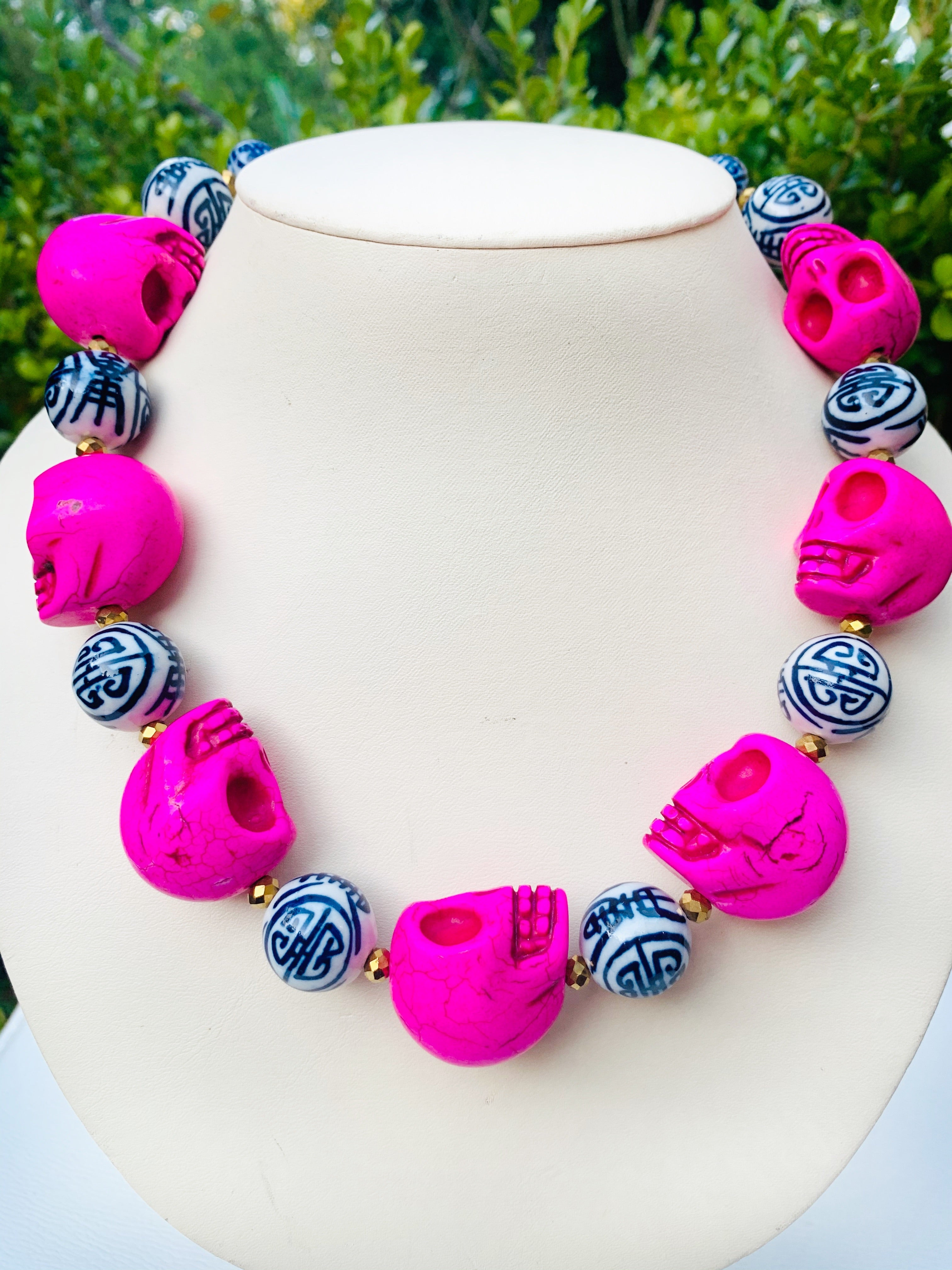 Skull Statement necklace – pink