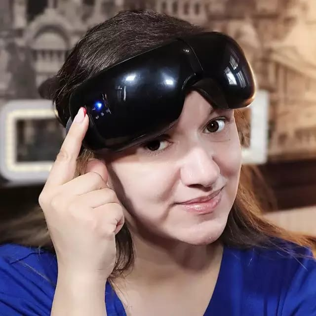 Smart eye massager for tired eyes with travel bag