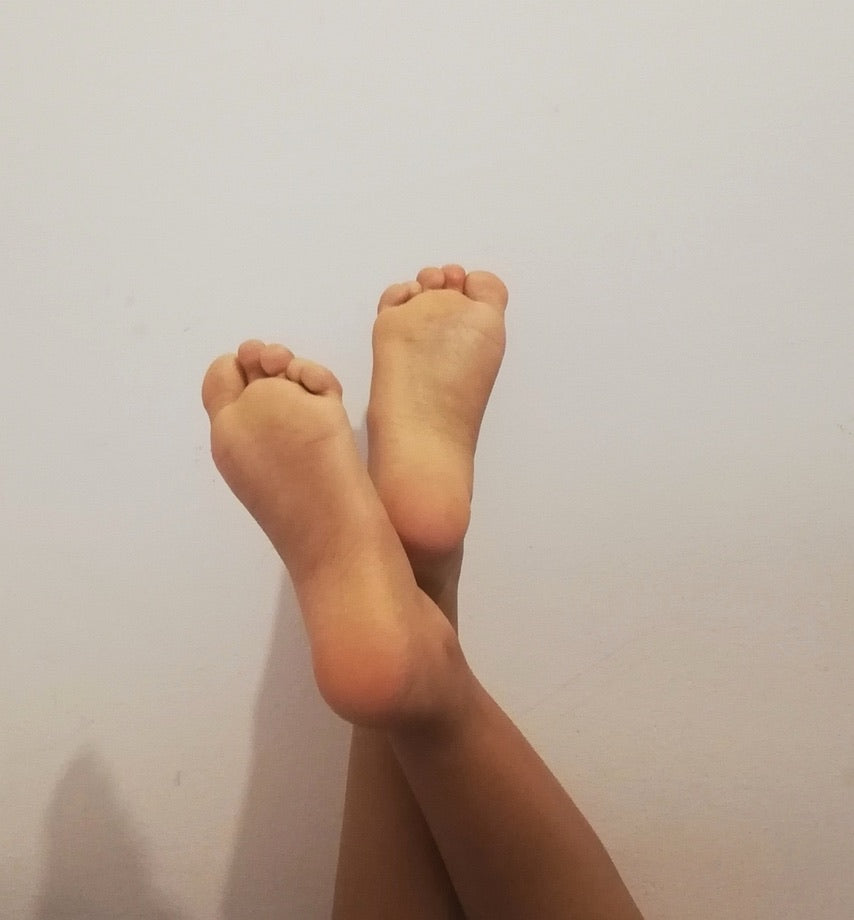 Enjoy Nicky's feet for a minute!