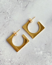 Load image into Gallery viewer, Geometric earrings