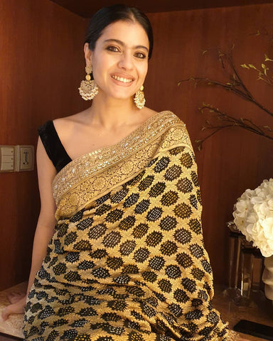 kajol in black bandhani saree