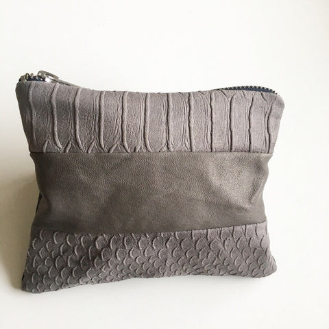 Lille clutch i snake look. - TrikkerDesign