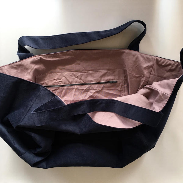 Unika shopper i  blå møbel velour - TrikkerDesign