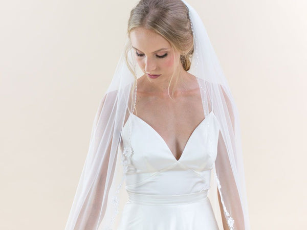 POPPY  - Floral Lace Edge Long Veil