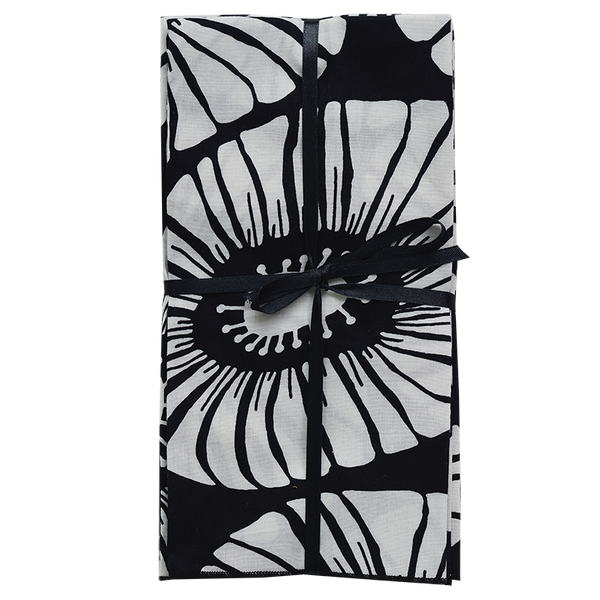 Black & White Retro Flower Napkins set of 4