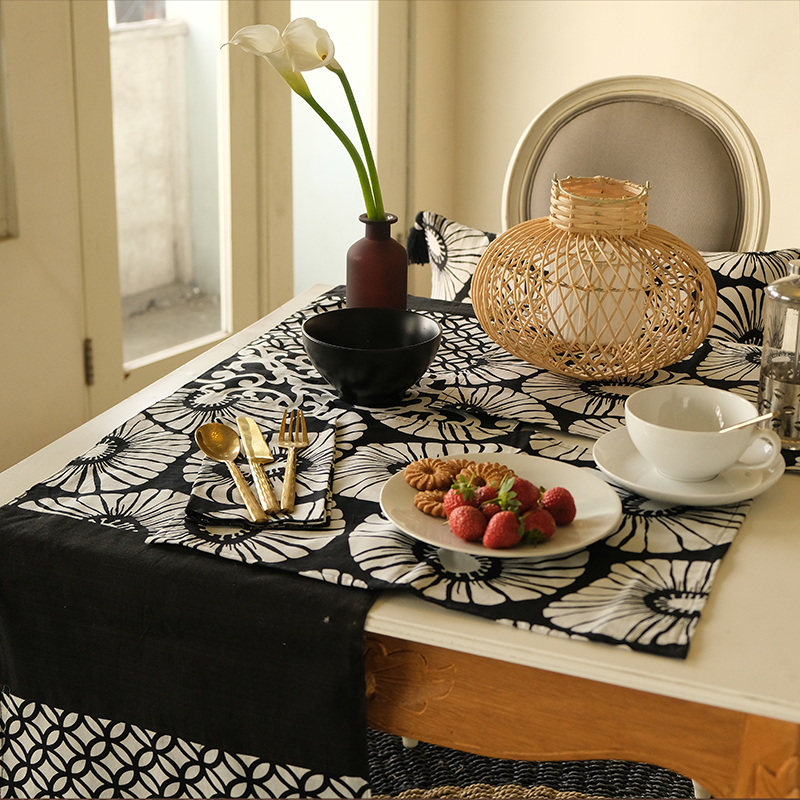 Black & White Cotton Runner Medium