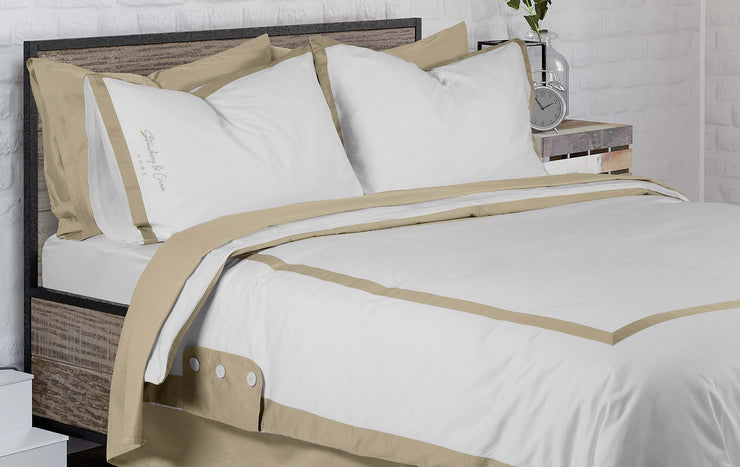 luxurious hotel style king size duvet set and flat sheet made from organic cotton