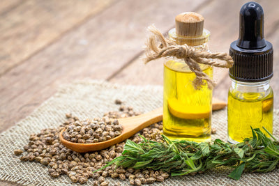 CBD Oil vs. Hemp Seed Oil: Getting to know the difference