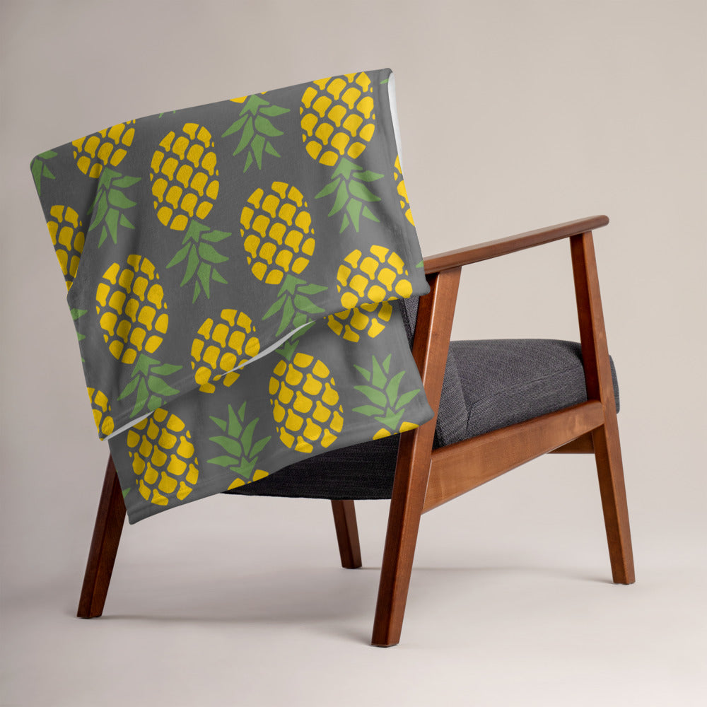 Pineapple Graphic Throw Blanket - Gazzli