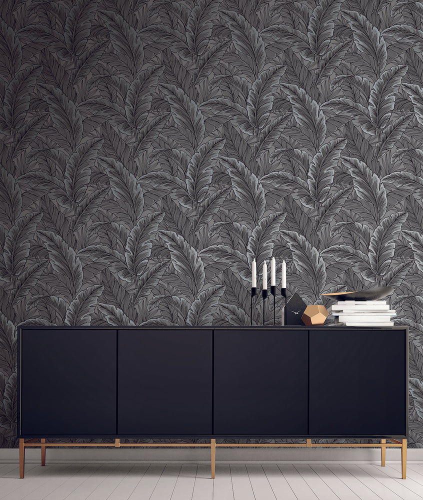 UK10004 palm leaf botanical wallpaper decor from the Black and White collection by Etten Gallerie