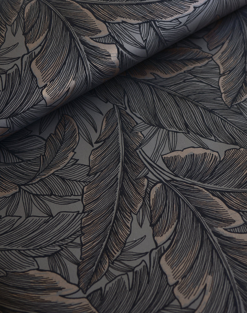 UK10048 palm leaf botanical wallpaper roll from the Black and White collection by Etten Gallerie
