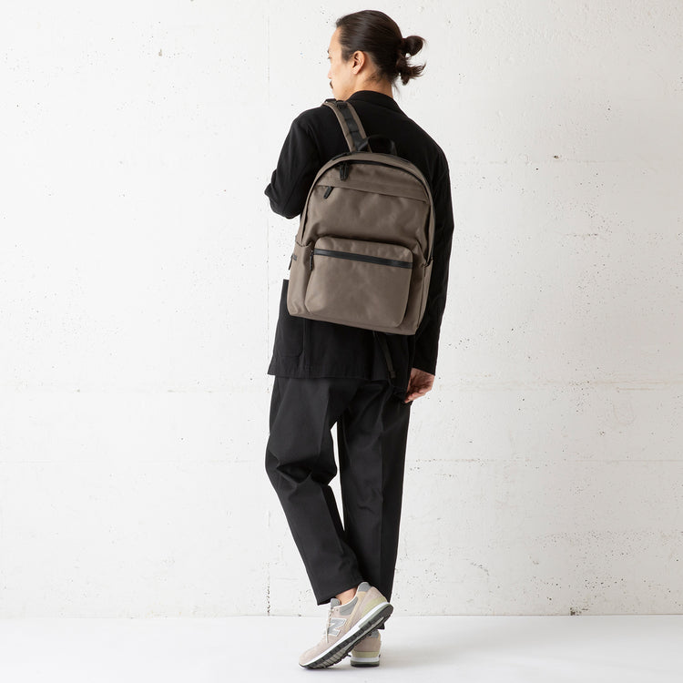SML | エスエムエル multifunctional day pack