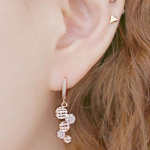 Load image into Gallery viewer, Fion Circle Coin Rose Gold Crystal Earrings with 14K Gold Pin