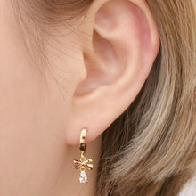 Load image into Gallery viewer, Penny Linear Bow Crystal Rose Gold Earrings with 14K Gold Pin