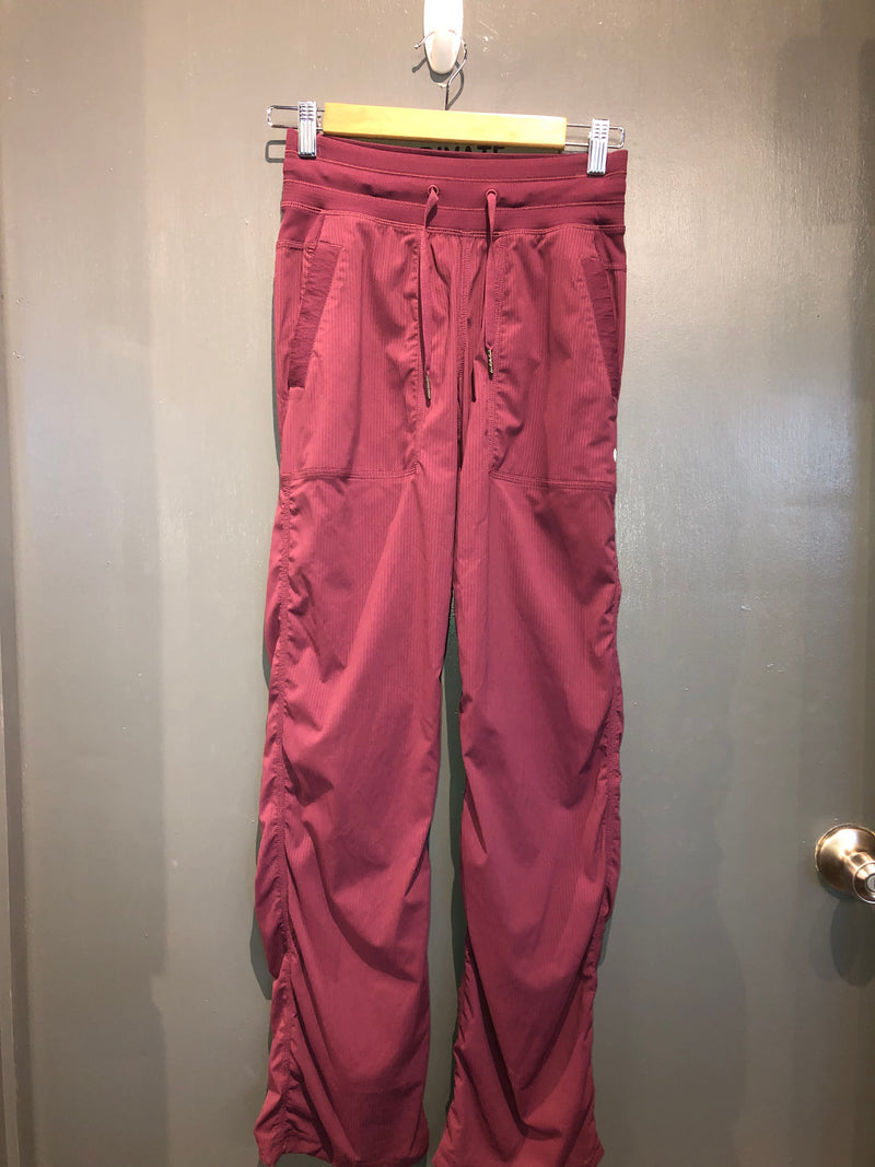 Lululemon burgundy pants sz 2