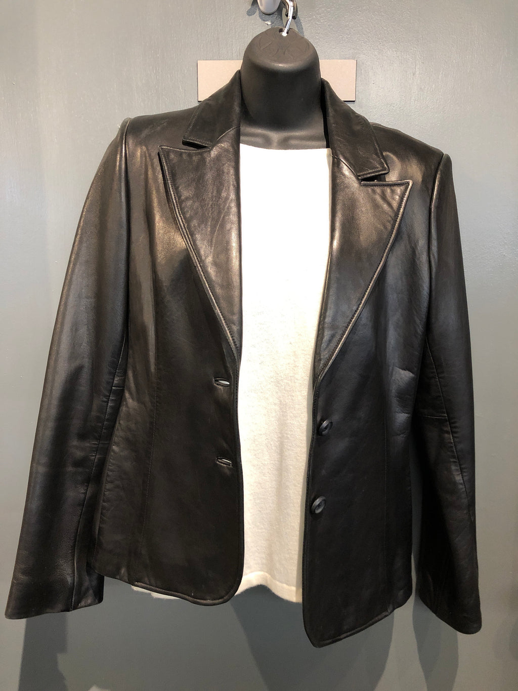 Black leather jacket sz small