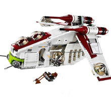 Load image into Gallery viewer, Building Blocks 1175pcs Republic Gunship Toy