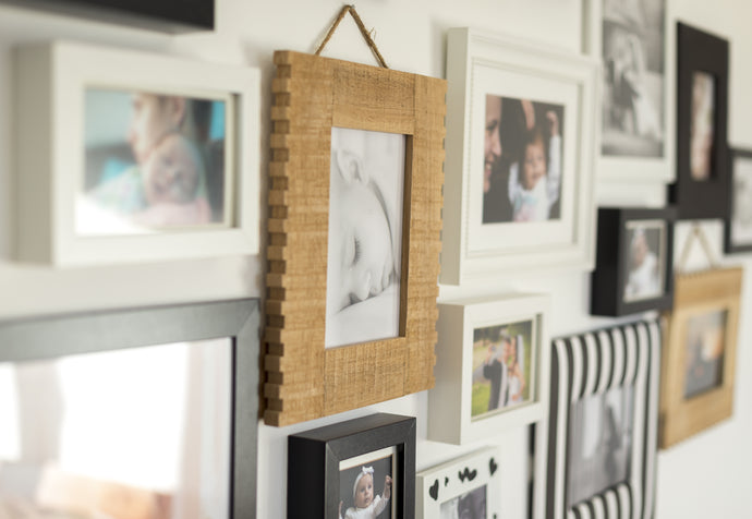 Using Framed and Mounted Pictures for Internal Decorations