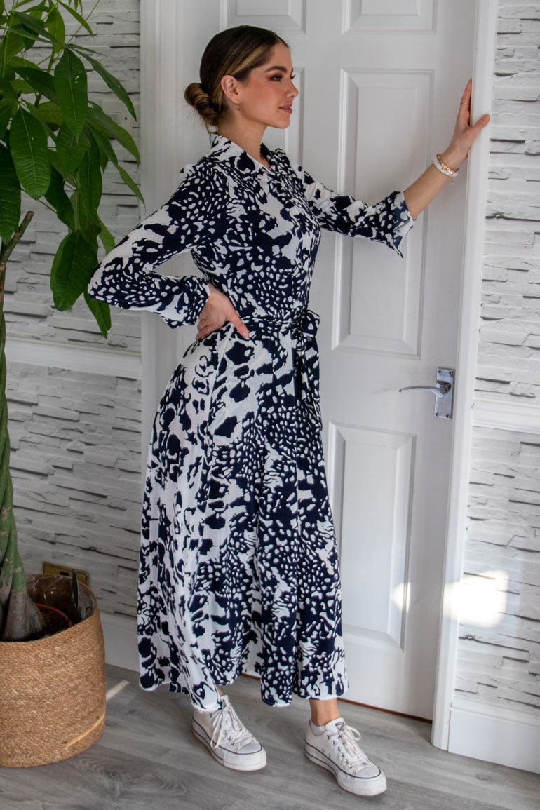 Brielle Long Sleeve Shirt Maxi Dress Navy Animal