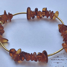 Load image into Gallery viewer, Stretch Baltic Amber Bracelet - Pirouette Jewellery Designs