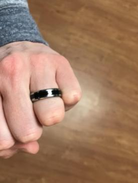 product review of black men's wedding band on left hand