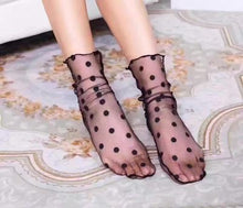 Load image into Gallery viewer, Summer Sexy Retro Lace Floral Mesh Women Girl Socks Elastic Fashion Lady Soft Short Socks Female Crystal Silk Ultrathin sock