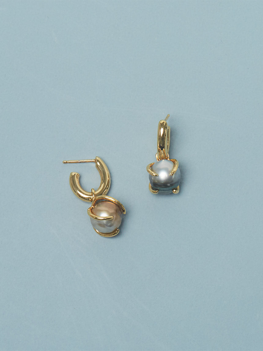 RS.IP.E.004 | FIJI PEARL DROP OVAL HOOP EARRINGS