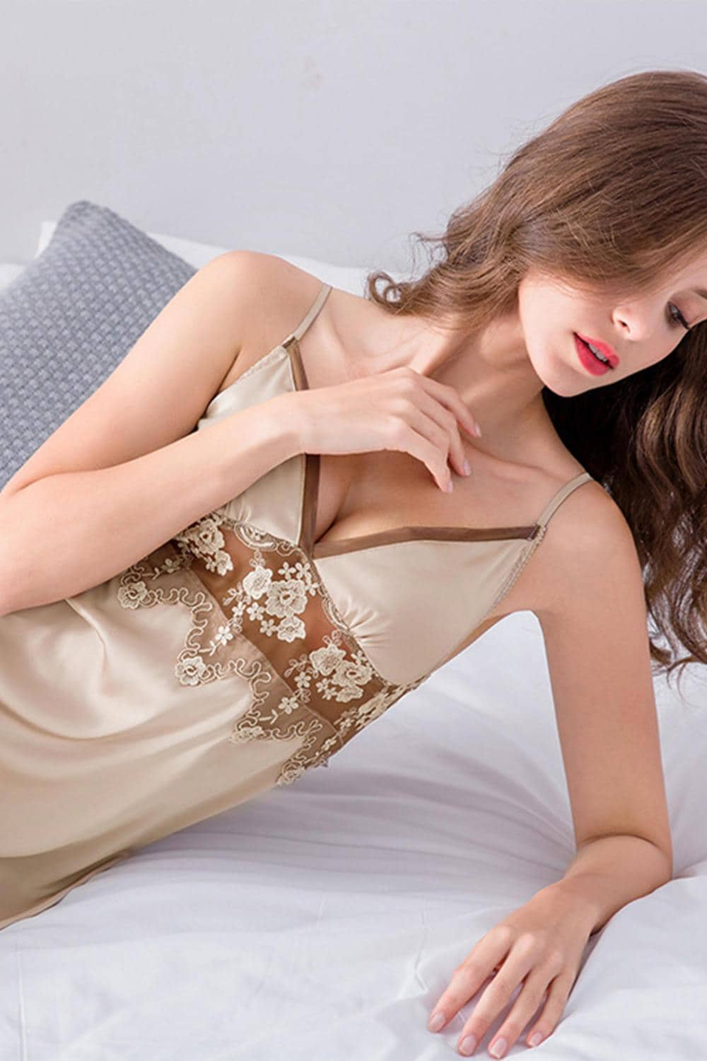 Satin Chiffon Lace Sleeveless Nightgown