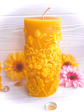 Load image into Gallery viewer, Floral Pillar (Free Shipping)