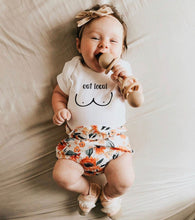 Load image into Gallery viewer, BREASTFEEDING EAT LOCAL KIDS TEE