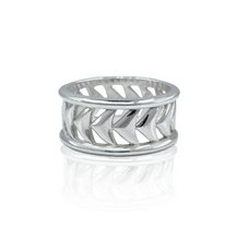 Load image into Gallery viewer, Whale Tail Ring (MADE TO ORDER)