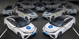 Holland's first H2 taxi fleet hits the road