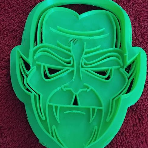 3D Printed Cookie Cutter Inspired by Vampire Face
