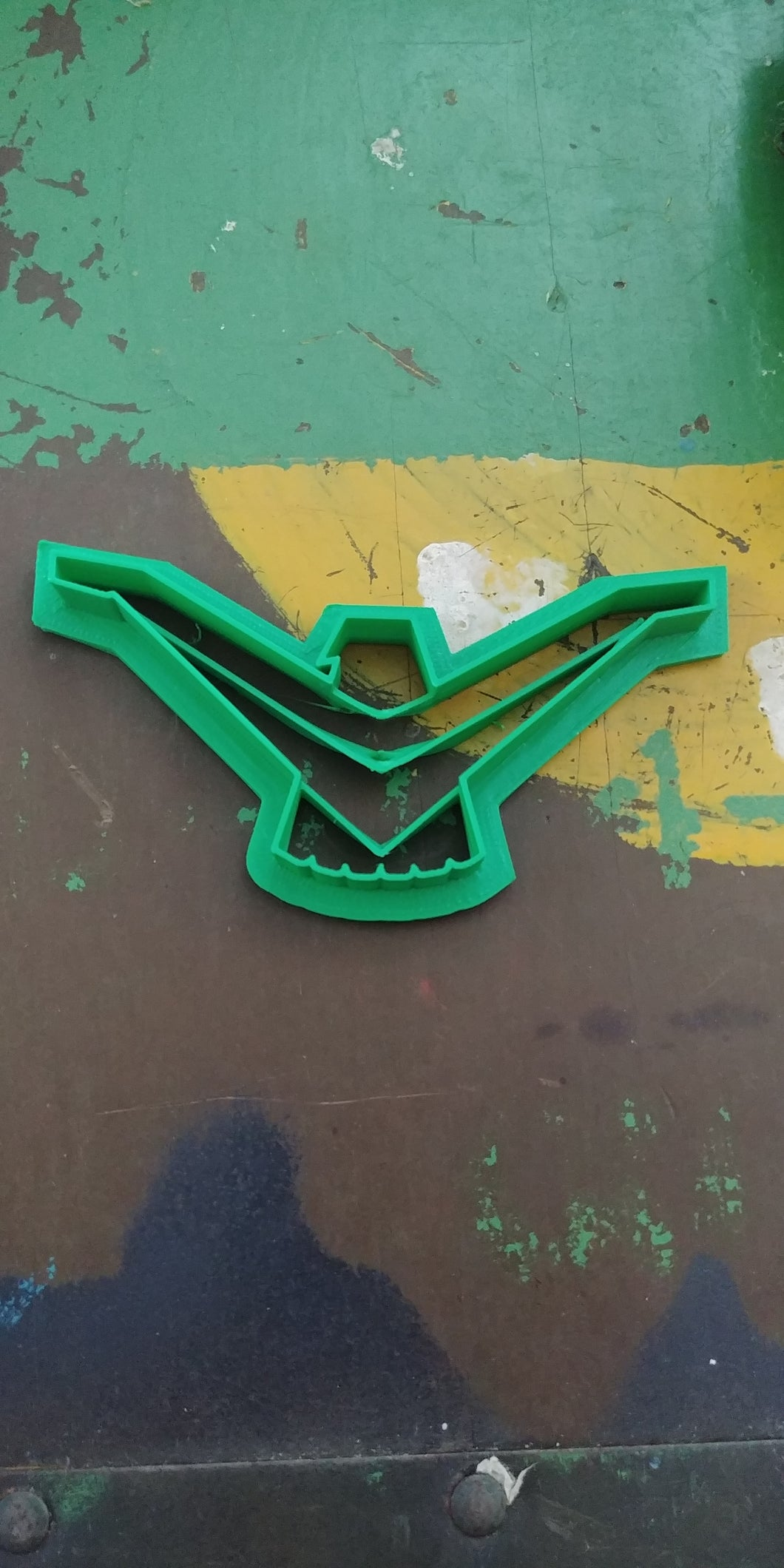 3D Printed Cookie Cutter Inspired by 1958-59 Thunderbird Emblem
