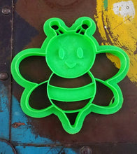 Load image into Gallery viewer, 3D Printed Bee Cookie Cutter