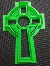 Load image into Gallery viewer, 3D Printed Celtic Cross Cookie Cutter