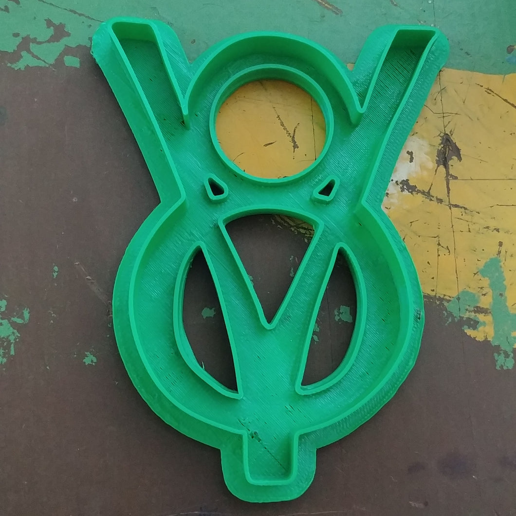 3D Printed Cookie Cutter Inspired by Ford V8Emblem