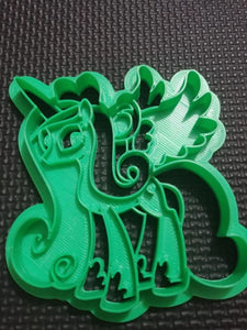 3D Printed Cookie Cutter Inspired by the MLP Princess Cadence