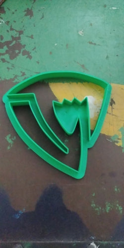 3D Printed Cookie Cutter Inspired by Fairy Tail Sabertooth Guild Crest