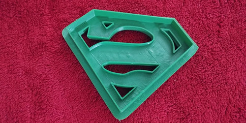 3D Printed Cookie Cutter Inspired by Superman