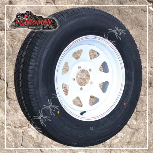 "15"" FORD PATTERN WHITE STEEL RIM & 195R15C TYRE. 195 15"