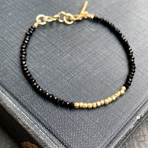 Black Onyx & Gold Beaded Bracelet