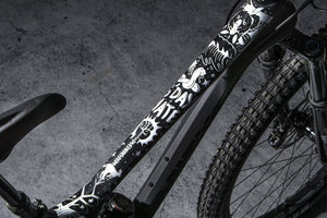 Top tube image of Pray for Straya design